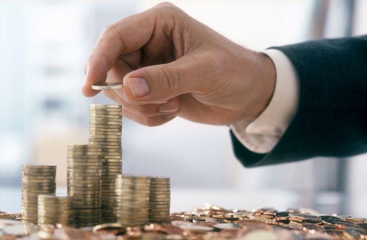 杨德龙:A股市场赚钱效应较强 投资者应关注消费股和新能源做好价值投资